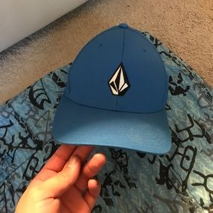 VOLCOM - Hat Flex Style Fit (LIKE NEW)